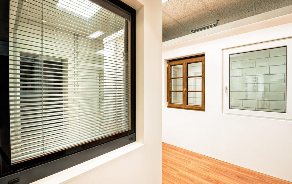 Showroom with aluminium windows